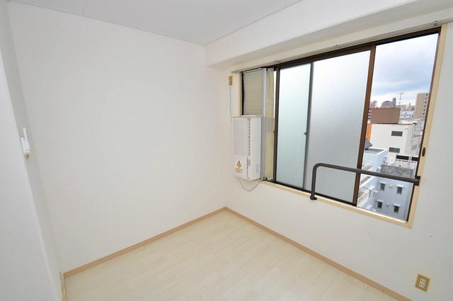 アバンティ八戸ノ里 窓があるので風通しが良く、快適な睡眠がとれそうですね。