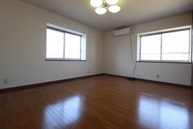 https://image.rentersnet.jp/fb4ed27d-9670-4596-8e4a-64a8b97ba077_property_picture_1992_large.jpg_cap_居室