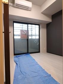 奥平レジデンス 303号室