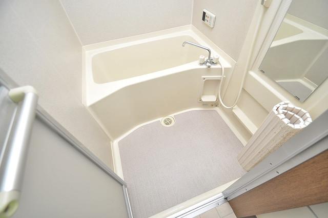 ハイムタケダT-11 ゆったりと入るなら、やっぱりトイレとは別々が嬉しいですよね。