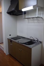 https://image.rentersnet.jp/fc14be37-6afe-45c7-b8e5-a08de42f7991_property_picture_2419_large.jpg_cap_キッチン