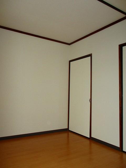 三ッ沢上町駅 徒歩13分居室