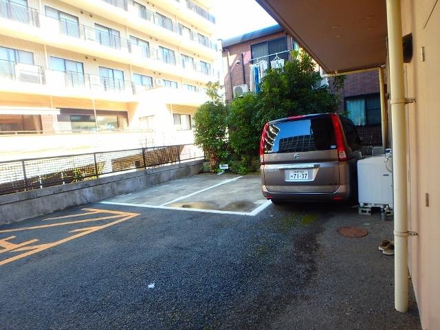 クレアール駐車場