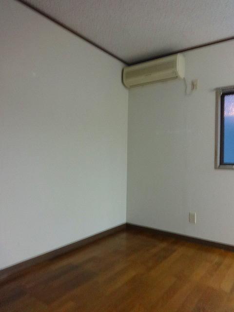 内山アパート居室
