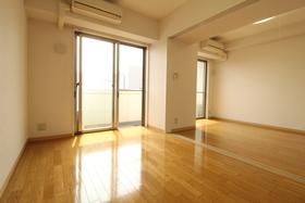 https://image.rentersnet.jp/fd0e75cd-2ff7-4bc4-a381-7ae497bde218_property_picture_958_large.jpg_cap_居室