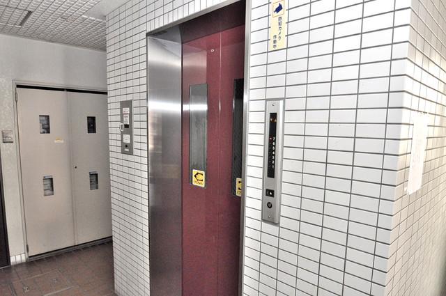 セゾンコトブキ 嬉しい事にエレベーターがあります。重い荷物を持っていても安心