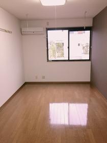 https://image.rentersnet.jp/fd7f90b3-d3ad-4cb7-bc5e-27119444f837_property_picture_957_large.jpg_cap_居室