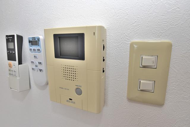 カインド高井田 TVモニターホンは必須ですね。扉は誰か確認してから開けて下さいね