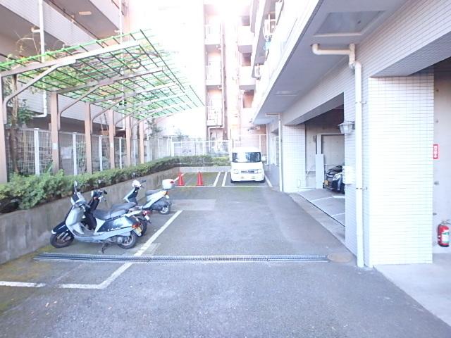 ホーユウコンフォルト相模原II駐車場