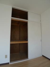 フォレストヒルズ 302号室