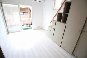 https://image.rentersnet.jp/fdd17bd4-3903-4d23-90d4-036af1f2cc22_property_picture_2988_large.jpg_cap_居室
