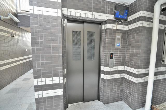 EASTRITZ巽 嬉しい事にエレベーターがあります。重い荷物を持っていても安心