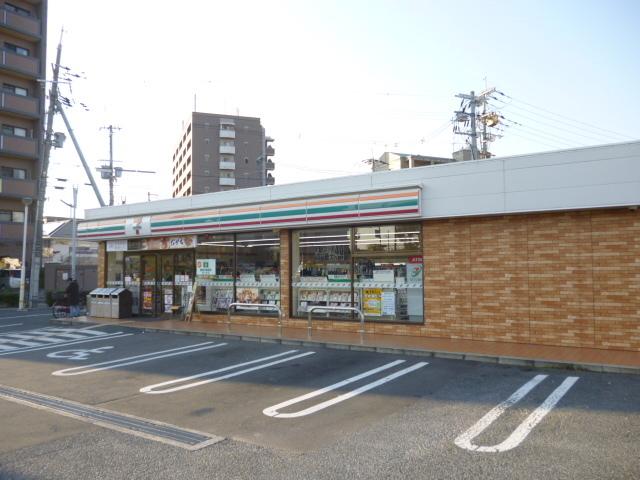 セブンイレブン大阪鶴見緑地店