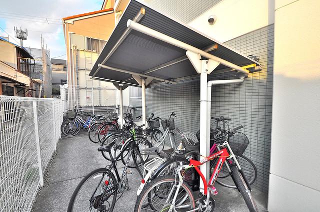 フォワイエ あなたの大事な自転車も安心してとめることができますね。