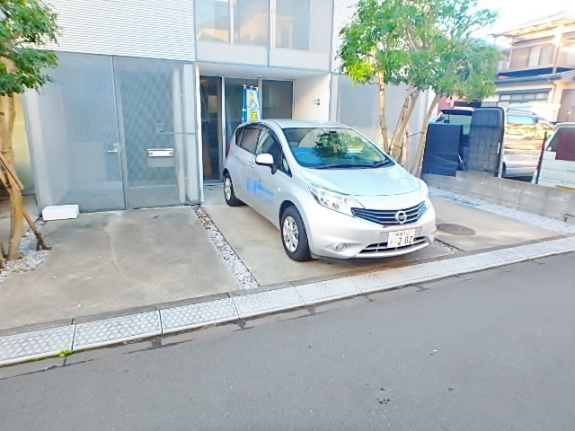 ポラール・ユウキ駐車場
