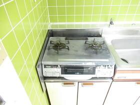 https://image.rentersnet.jp/fed604c1-d7bb-4a01-873c-4302756cb91a_property_picture_953_large.jpg_cap_キッチン