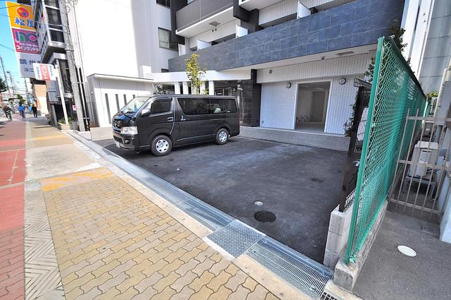 Forest Grace 深江橋Ⅱ 敷地内にある駐車場。愛車が目の届く所に置けると安心ですよね。