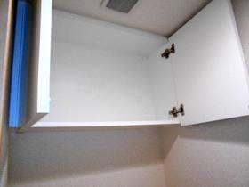 トイレ内上部の収納