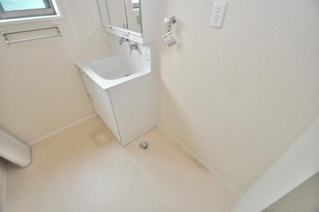 シャーメゾンアマヤハイツ 室内洗濯機置場だと終了音が聞こえて干し忘れを防げますね。