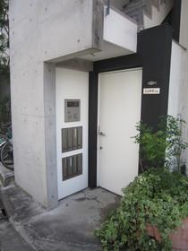 新川崎駅 徒歩20分エントランス