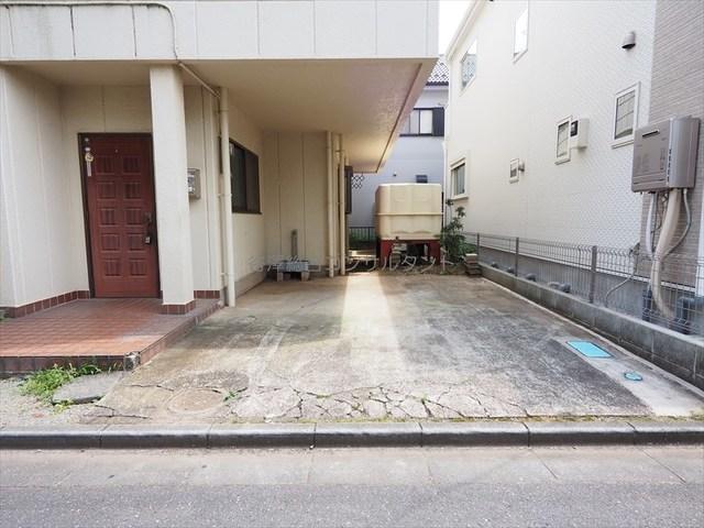島村ハイツ駐車場
