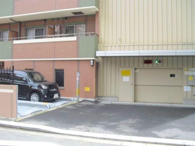 ライジングプレイス石川町駐車場